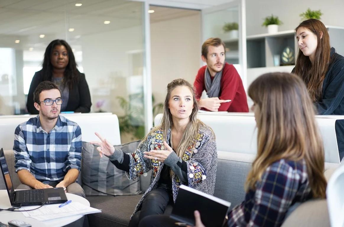 Нужно ли спорить с коллегами, если считаете, что правы именно вы? Спор или дискуссия.